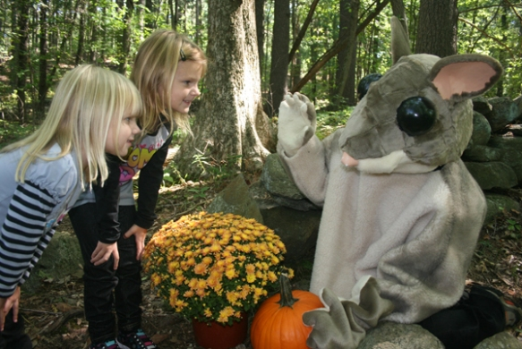 Lids meet critters on Audubon's Halloween walks.